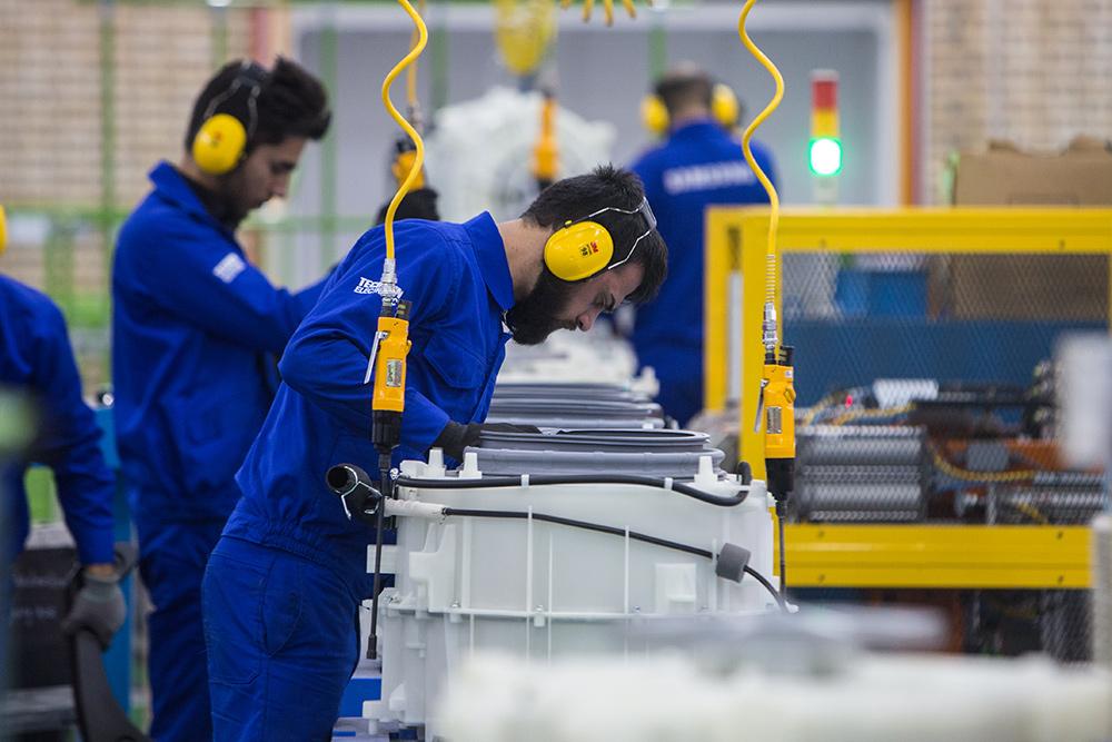 نوسازی 5 هزار بنگاه اقتصادی در دستور کار وزارت صنعت