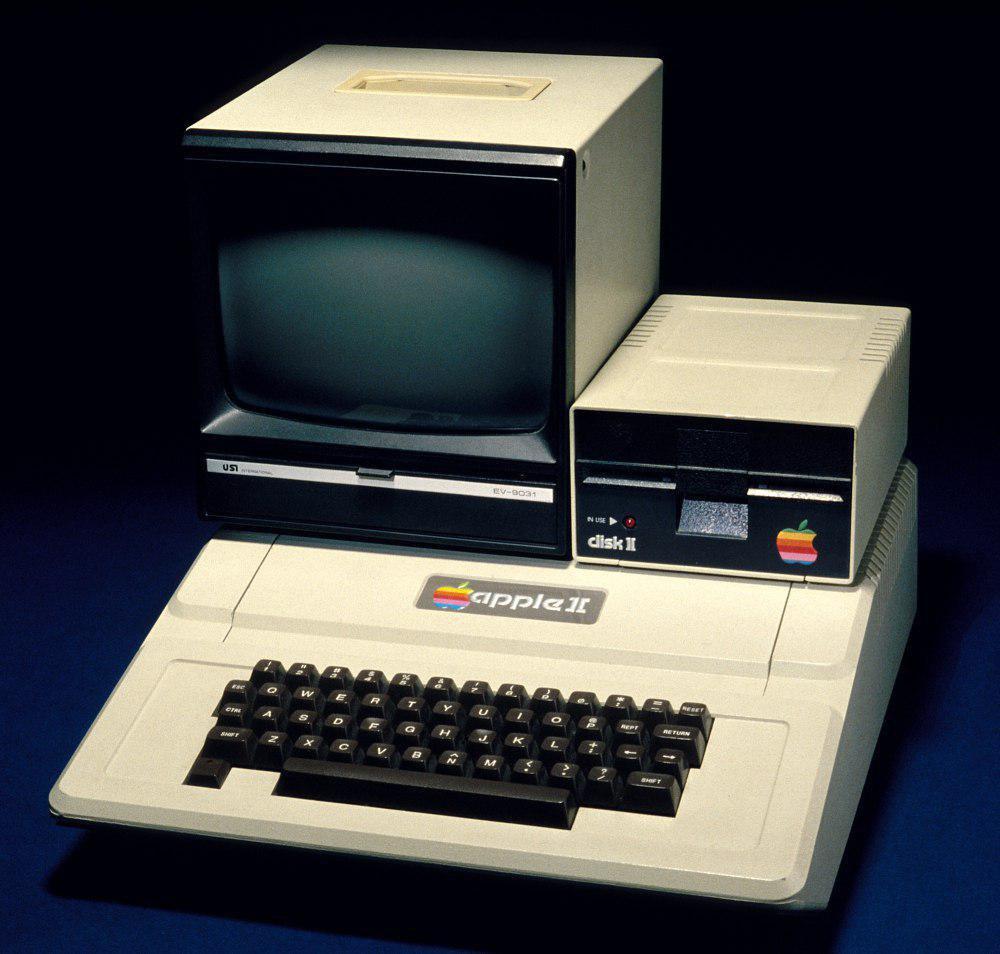 41 سال پیش در چنین روزی، کامپیوتر Apple II با قیمت 1298 دلار معرفی شد.