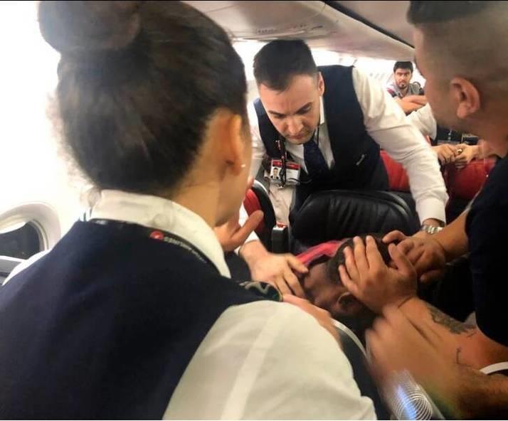 درگیری در هواپیما