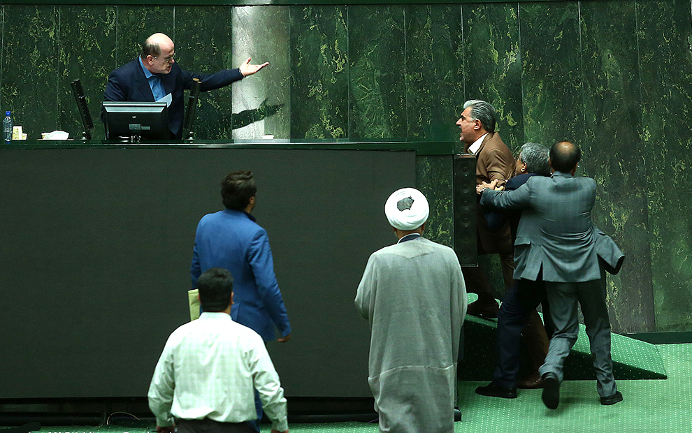 درگیری در صحن مجلس
