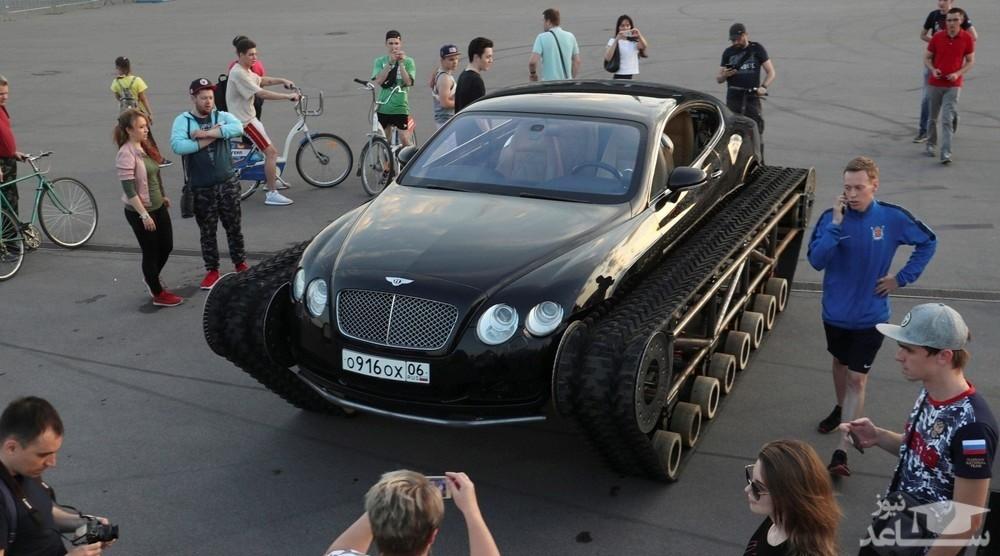 یک خودروی عجیب و غریب در سن پترزبورگ روسیه