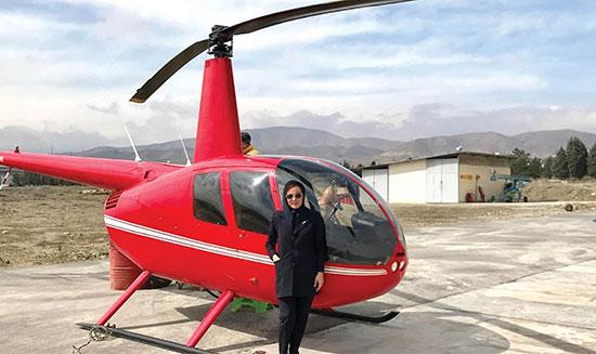 خلبان زن ایرانی هلیکوپتر