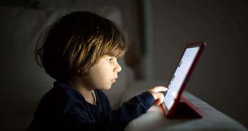 نگاه به صفحه نمایش مغز کودک را تغییر می دهد