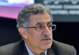 رئیس اتاق بازرگانی تهران حین سخنرانی از هوش رفت