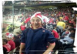 عکسی از 5 دختر «ریش دار» (!)  در استادیوم آزادی