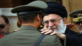 موافقت رهبر انقلاب با اهدای پرچم و نشان فداکاری به دانشگاه افسری امام علی(ع) ارتش