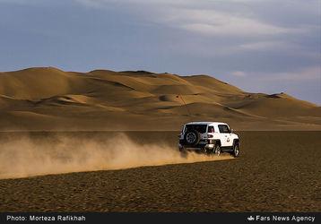 آفرود سواری در کویر
