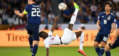 شعر متحرک؛ جهش «المعز علی» برای به ثمر رساندن گل نخست در فینال جام ملتهای ۲۰۱۹ آسیا برابر ژاپن