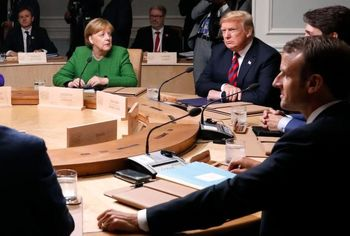 پاس گل ترامپ به پوتین: کریمه متعلق به روسیه است