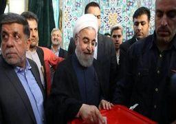 حسن روحانی پس از انداختن رأی : امیدواریم در سال ۱۴۰۰ همه چیز الکترونیکی انجام شود