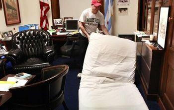 لایحه ممنوعیت خواب در دفتر کار در دستور کار مجلس آمریکا