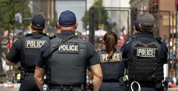 پلیس شهر دیترویت آمریکا معترضان به نژادپرستی را  با خودرو زیر گرفت + عکس