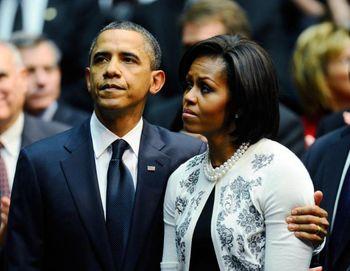 اوباما و همسرش پول پارو می کنند