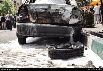 تصاویر آتش سوزی زنجیرهای خودروها در تهران