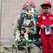 ادای احترام به قربانیان فاجعه پلاسکو در پای ویرانه ساختمان + عکس