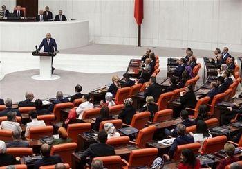 واکنش پارلمان ترکیه به اظهارات جنجالی مکرون