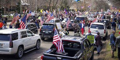 تجمع هواداران ترامپ علیه فرمانداران دموکرات برای شکستن قرنطینه