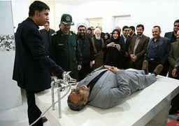 وزیرکشور روی سنگ غسالخانه +عکس