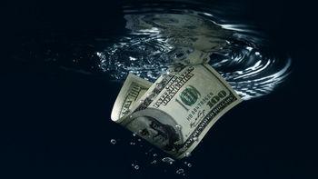 نرخ دلار صرافی ملی از نرخ بازار سبقت گرفت