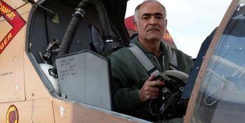خلبان ایرانی رکورد دار پرواز با کبرا درگذشت