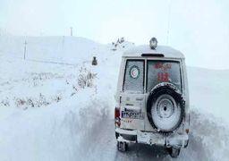 نجات یک زن باردار از محاصره برف