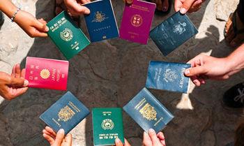 دلیل تفاوت رنگ پاسپورتها در جهان+مفهوم هر رنگ