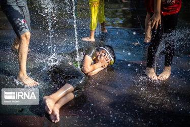 آب بازی تابستانه کودکان