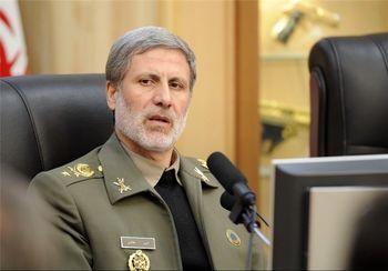 وزیر دفاع بخاطر اعدام کارمند وزارتخانه تشکر کرد