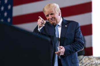 ترامپ: در صورت پیروزی بایدن شاید کشور را ترک کنم