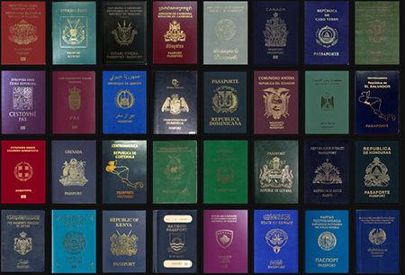 چرا رنگ پاسپورت ها با هم متفاوت است؟