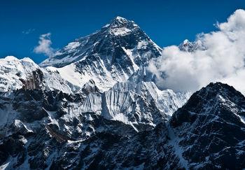 گرمایش جهانی، قله اورست را سرسبز میکند!