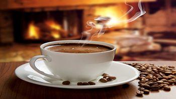 خطرات نوشیدن قهوه با معده خالی