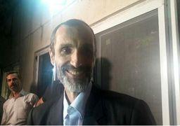 استقبال احمدی نژاد از معاونش با حلقه گل! + عکس