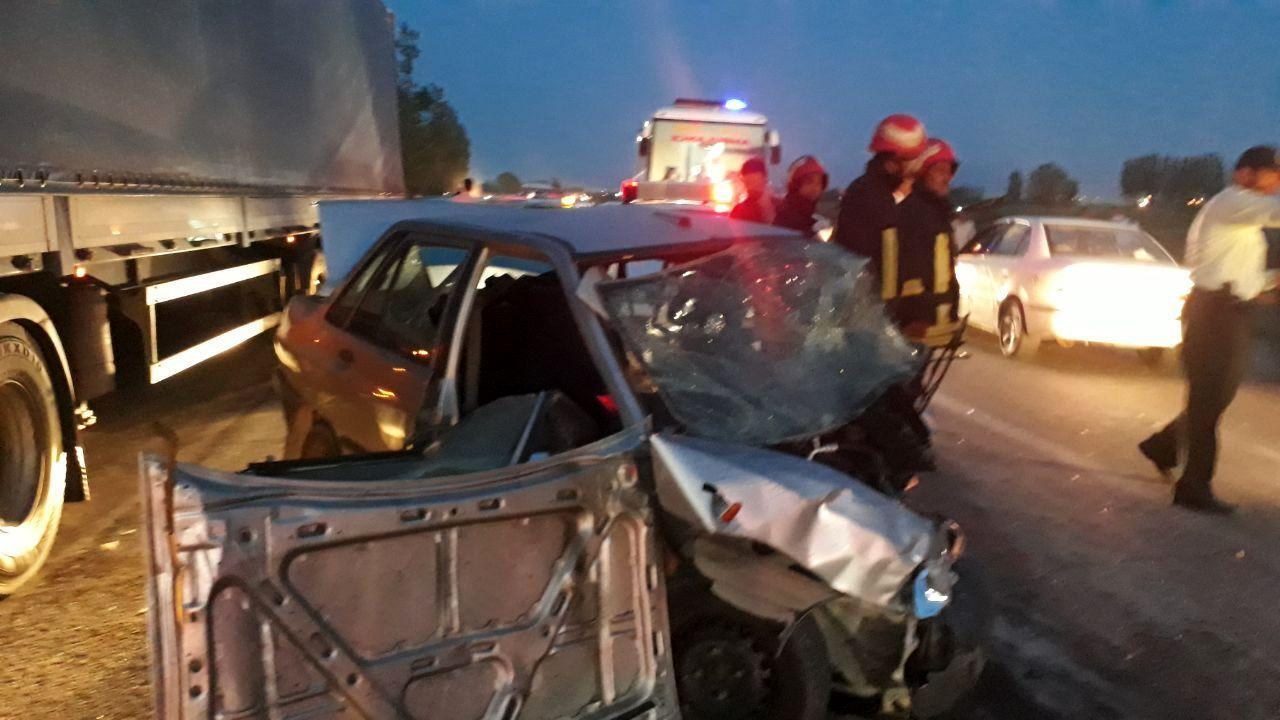 تصادف زنجیره ای در اردبیل ۲ کشته و سه مصدوم برجای گذاشت