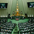 ثبت نام کشتی گیر جنجالی ایران برای انتخابات مجلس +عکس