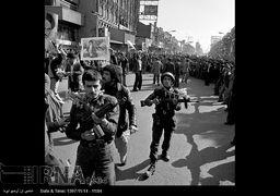 تصاویر کمتر دیده شده از روزهای پیروزی انقلاب