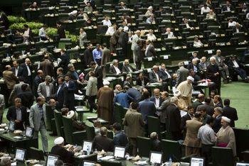 ورود مجلس به بازار ارز/نوسانهای ارزی از کجا آب میخورد؟