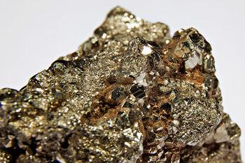 برآورد ذخایر 150 تنی ذخایر طلای زرشوران
