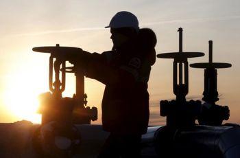 افت قیمت نفت در پی برداشت سود معاملهگران/ نفت آمریکا 45 دلار