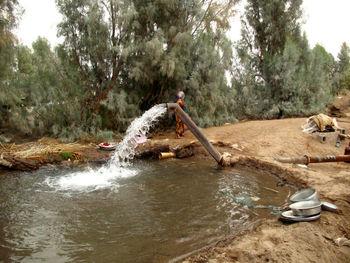 چاههای غیرمجاز چند هزار مترمکعب آب زیرزمینی را به غارت میبرند؟