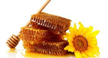 10 دانستنی مهم درباره مصرف روزانه عسل