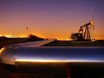 بازار نفت در حال خروج از کفنشینی/ نفت برنت 35 دلار