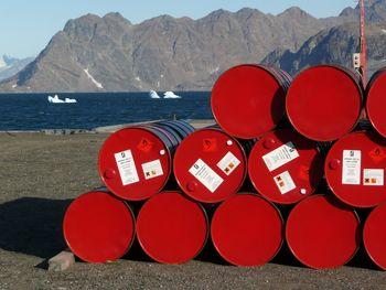 تداوم نوسانات قیمت نفت زیر 111 دلار