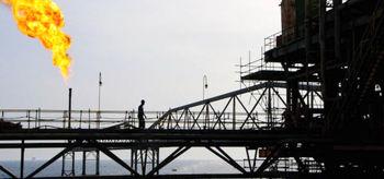 درآمدهای نفتی ایران نصف شد