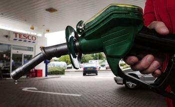 تخلف و کمفروشی در جایگاههای سوخت رسانی صحت دارد؟