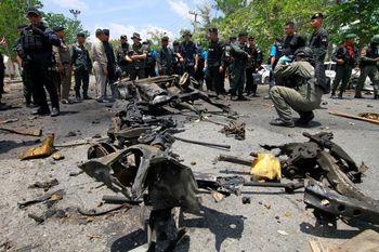 انفجار دو بمب در نزدیکی ساختمان دولتی در تایلند
