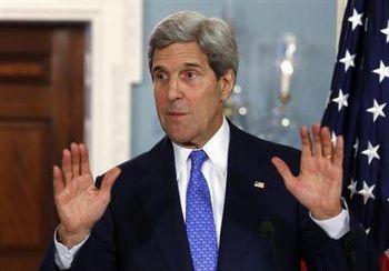 وزیر خارجه آمریکا به فضا سازی علیه ایران پرداخت