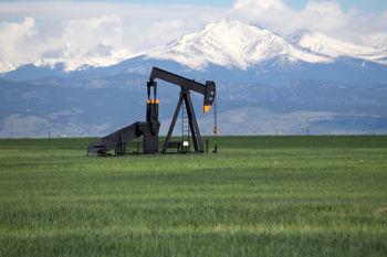 بازار نفت تحتالشعاع گمانهزنیها درباره نشست تولیدکنندگان/ نفت آمریکا 42 دلار