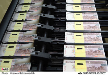 ایران چک های ۱۰۰ هزار تومانی در اختیار بانک ها قرار گرفت