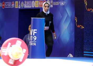 تصاویر اولین حضور تیم زنان ایران در مسابقات جهانی وزنهبرداری